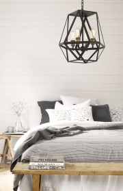 Stunning Black And White Bedroom Decoration Ideas 17