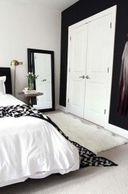 Stunning Black And White Bedroom Decoration Ideas 18