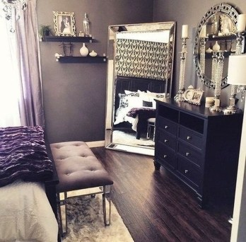 Stunning Black And White Bedroom Decoration Ideas 22