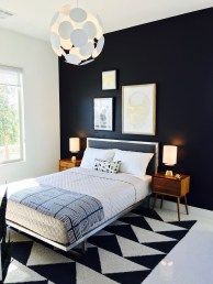 Stunning Black And White Bedroom Decoration Ideas 23
