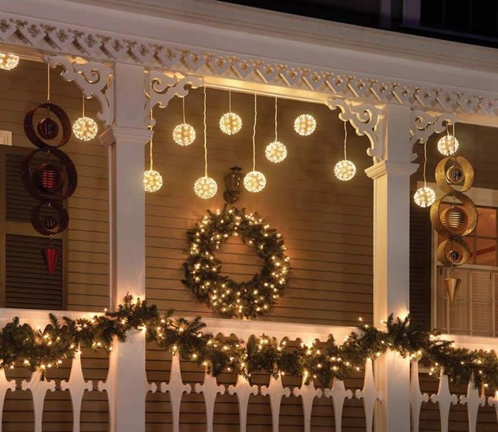 Totally Inspiring Christmas Lighting Ideas You Should Try For Your Home 23