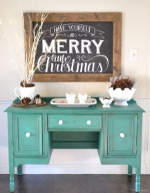 Totally Inspiring Farmhouse Christmas Decoration Ideas To Makes Your Home Stands Out 03