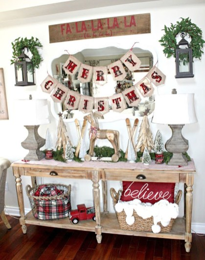 Totally Inspiring Farmhouse Christmas Decoration Ideas To Makes Your Home Stands Out 38