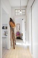 38 Brilliant Hallway Storage Decoration Ideas24