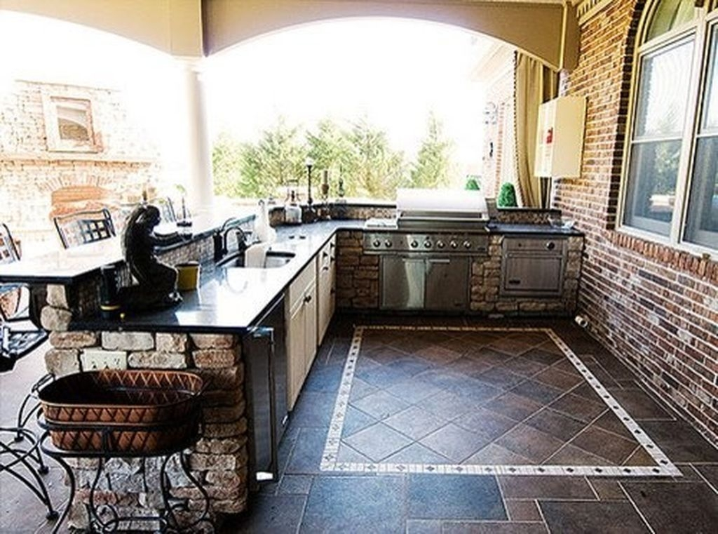 38 Cool Outdoor Kitchen Design Ideas 07