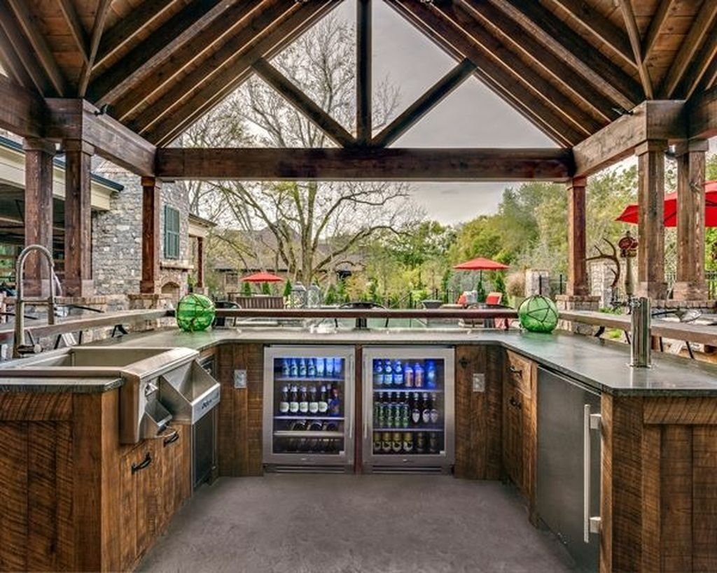 38 Cool Outdoor Kitchen Design Ideas 32