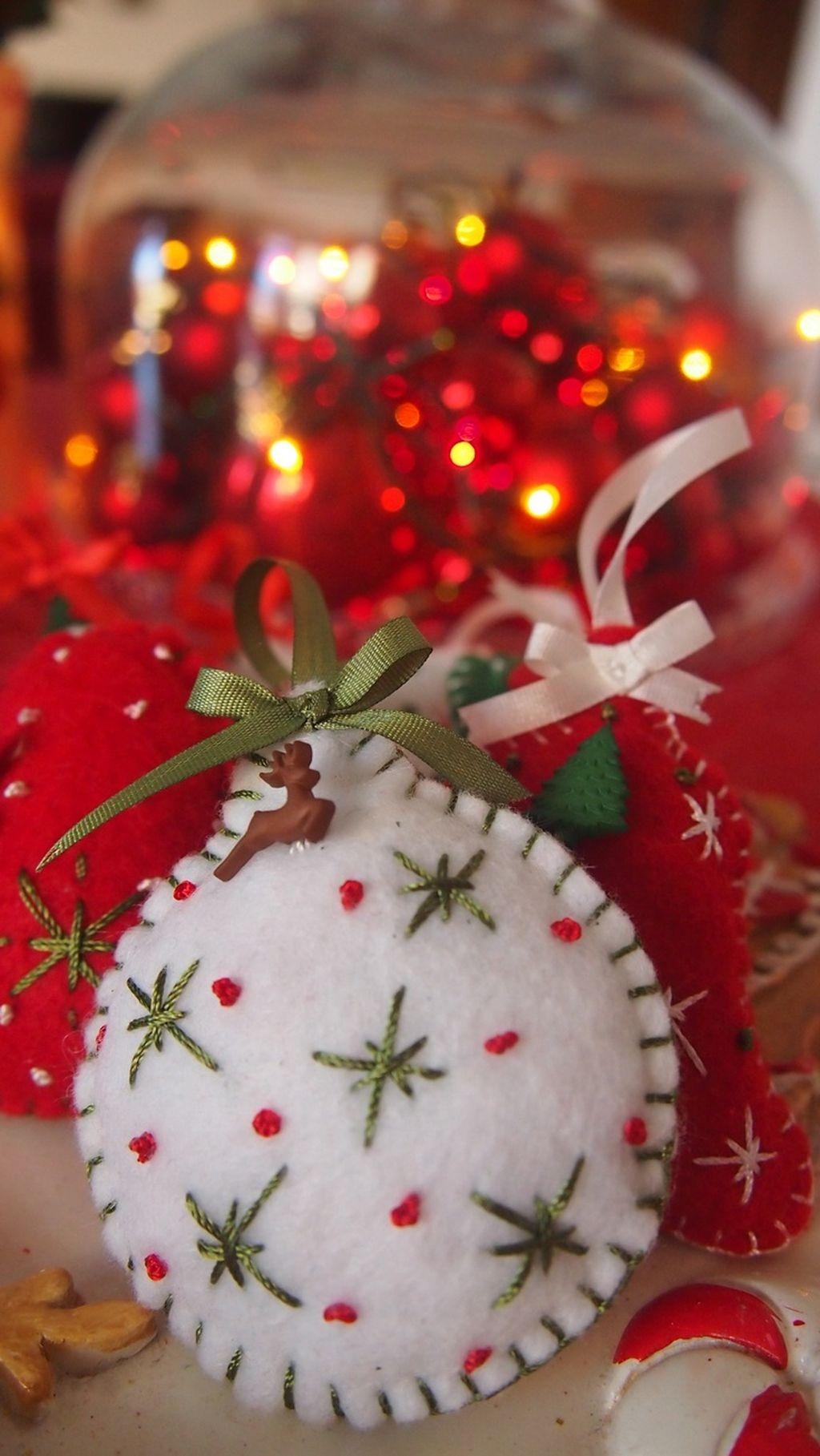 39 Brilliant Ideas How To Use Felt Ornaments For Christmas Tree Decoration 01