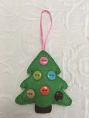 39 Brilliant Ideas How To Use Felt Ornaments For Christmas Tree Decoration 09