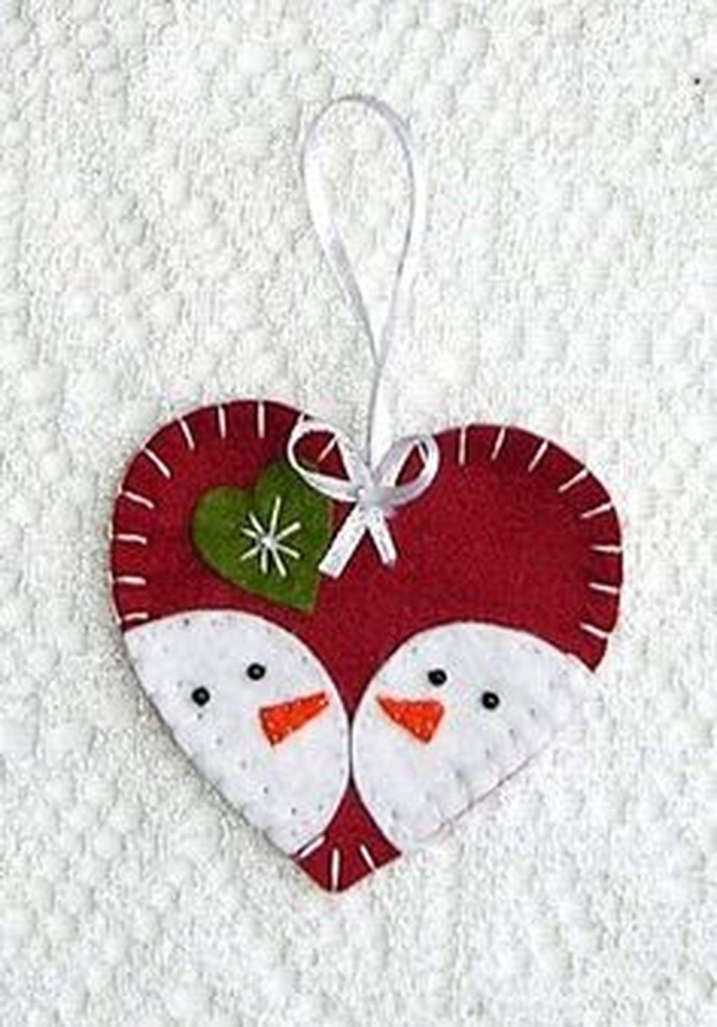 39 Brilliant Ideas How To Use Felt Ornaments For Christmas Tree Decoration 12