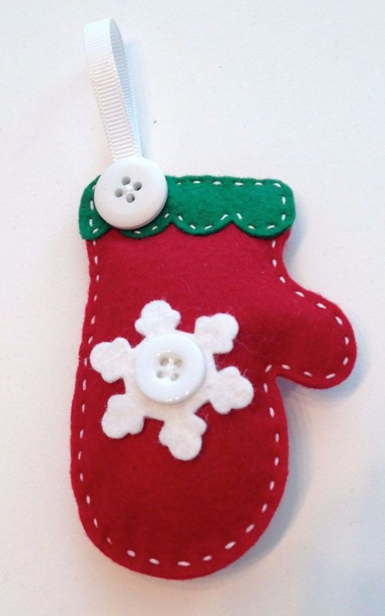39 Brilliant Ideas How To Use Felt Ornaments For Christmas Tree Decoration 37
