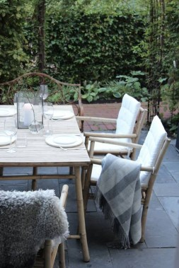 Adorable Outdoor Dining Area Furniture Ideas 02