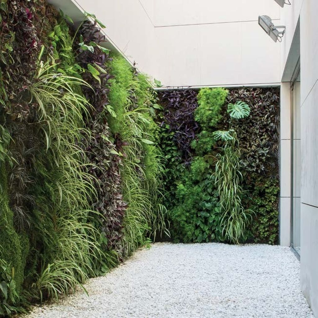 Cool Indoor Vertical Garden Design Ideas 19