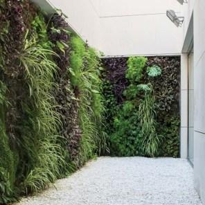 Cool Indoor Vertical Garden Design Ideas 19