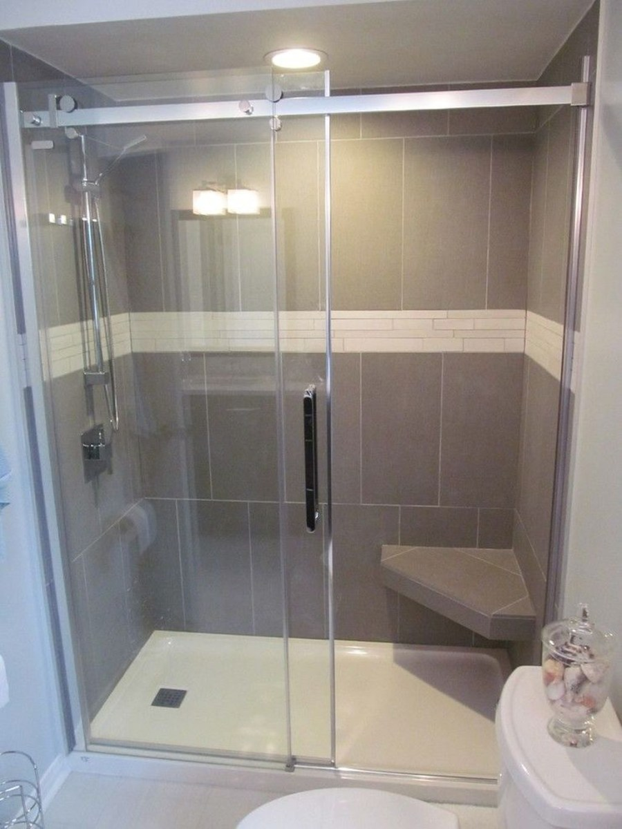Cool Small Master Bathroom Remodel Ideas 26