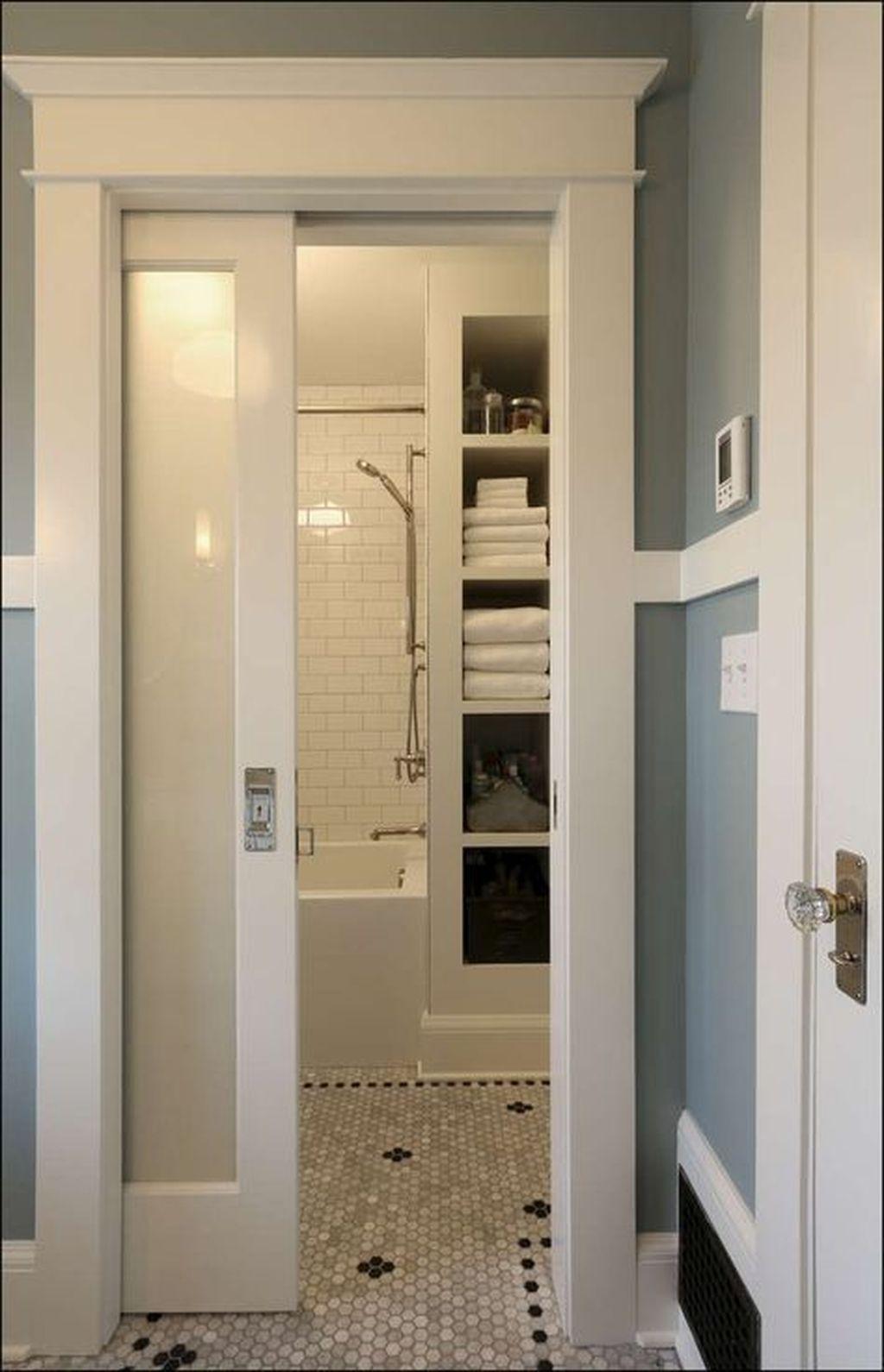 Cool Small Master Bathroom Remodel Ideas 37