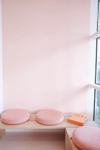 Cute And Cool Pastel Patio Design Ideas04
