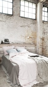 Elegant Rustic Bedroom Brick Wall Decoration Ideas 05