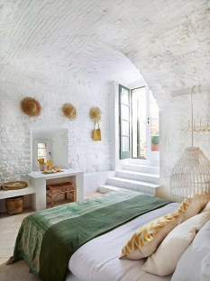 Elegant Rustic Bedroom Brick Wall Decoration Ideas 51