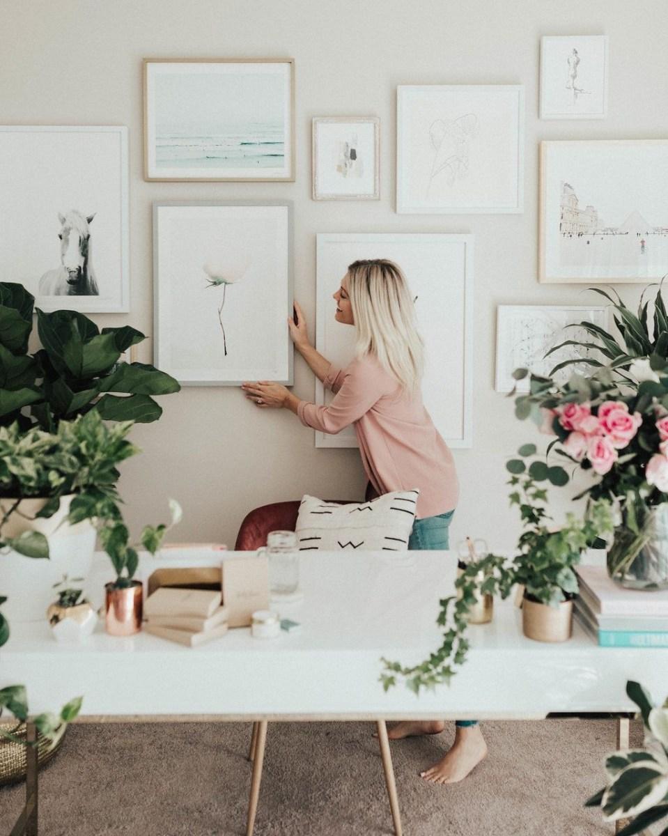 Elegant And Exquisite Feminine Home Office Design Ideas 21