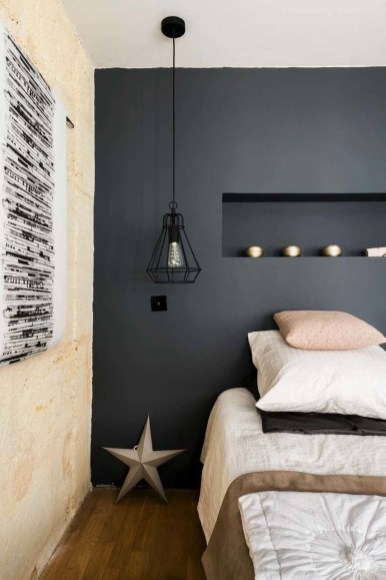 Modern And Stylish Scandinavian Bedroom Decoration Ideas 25