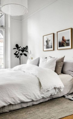 Modern And Stylish Scandinavian Bedroom Decoration Ideas 35