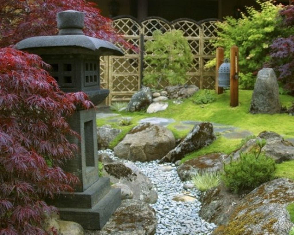 Relaxing Japanese Inspired Front Yard Decoration Ideas 14