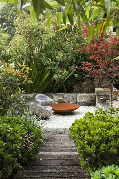 Relaxing Japanese Inspired Front Yard Decoration Ideas 32
