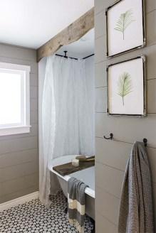 Simple And Cozy Wooden Bathroom Remodel Ideas 12