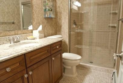 Simple And Cozy Wooden Bathroom Remodel Ideas 15