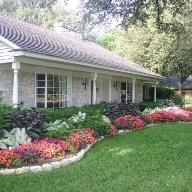 Totally Beautiful Front Yard Landscaping Ideas On A Budget 01