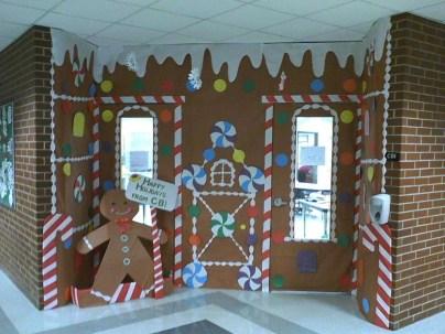 Adorable Winter Classroom Door Decoration Ideas 07