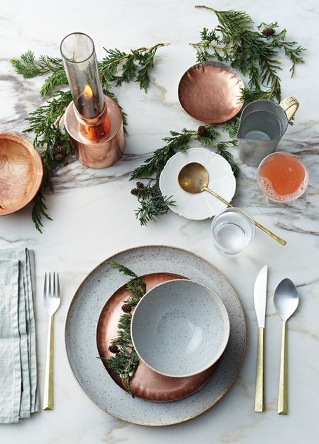 Amazing Winter Table Decoration Ideas 02