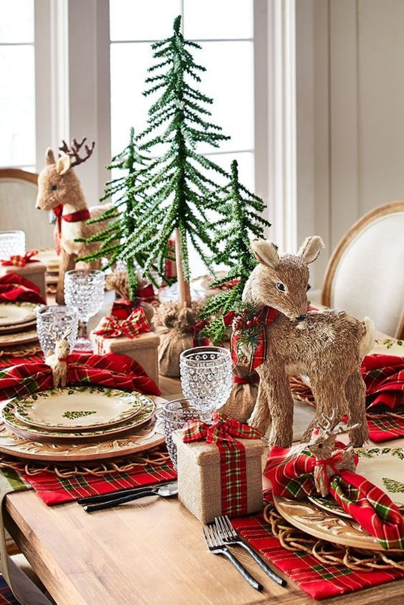 Amazing Winter Table Decoration Ideas 10