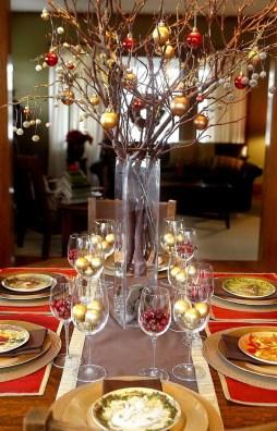 Amazing Winter Table Decoration Ideas 34