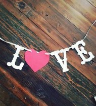 Beautiful And Creative DIY Valentine Decoration Ideas For Your Home 03