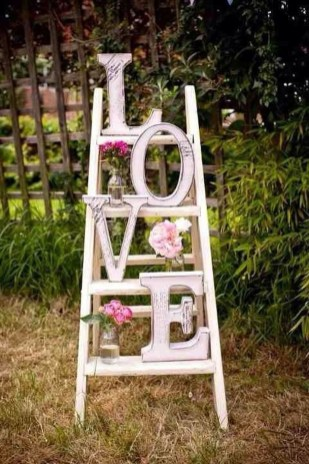 Beautiful And Creative DIY Valentine Decoration Ideas For Your Home 08