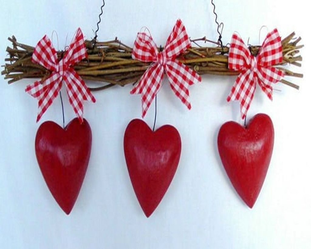 Cool And Cozy Red Valentines Day Decoration Ideas 01