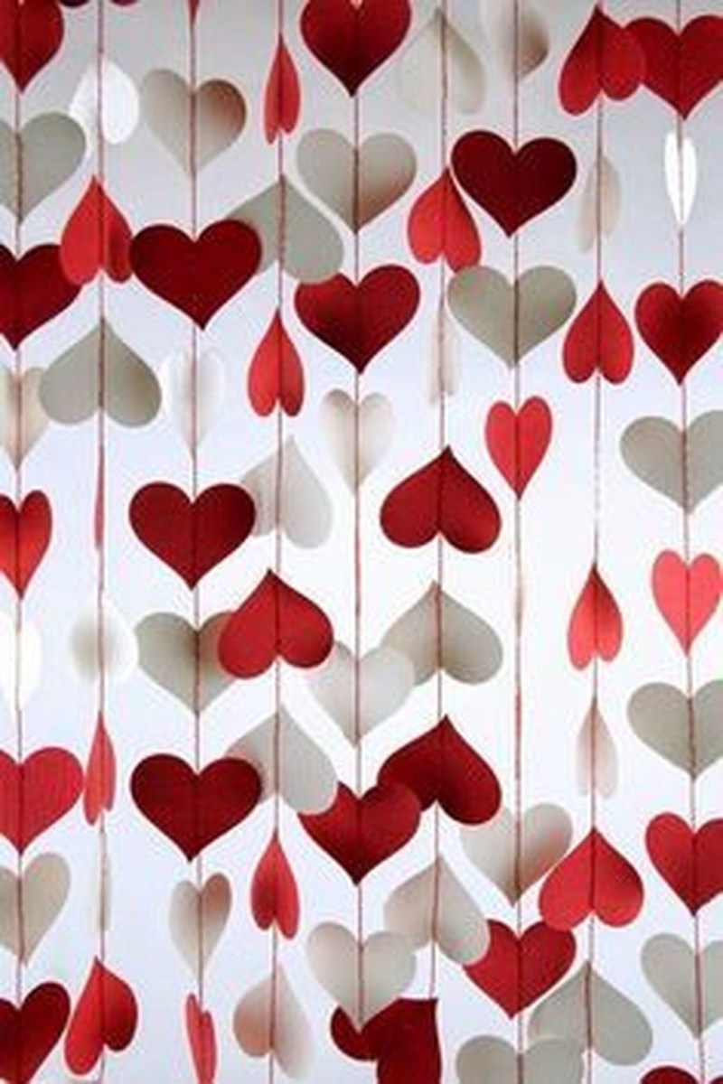 Cool And Cozy Red Valentines Day Decoration Ideas 03