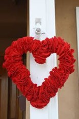 Cool And Cozy Red Valentines Day Decoration Ideas 13