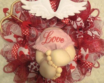 Cool And Cozy Red Valentines Day Decoration Ideas 30