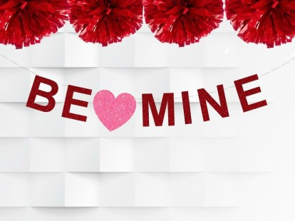 Cute Pink Valentines Day Decoration Ideas For Your Home 05