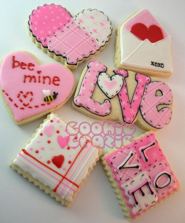 Cute Pink Valentines Day Decoration Ideas For Your Home 11