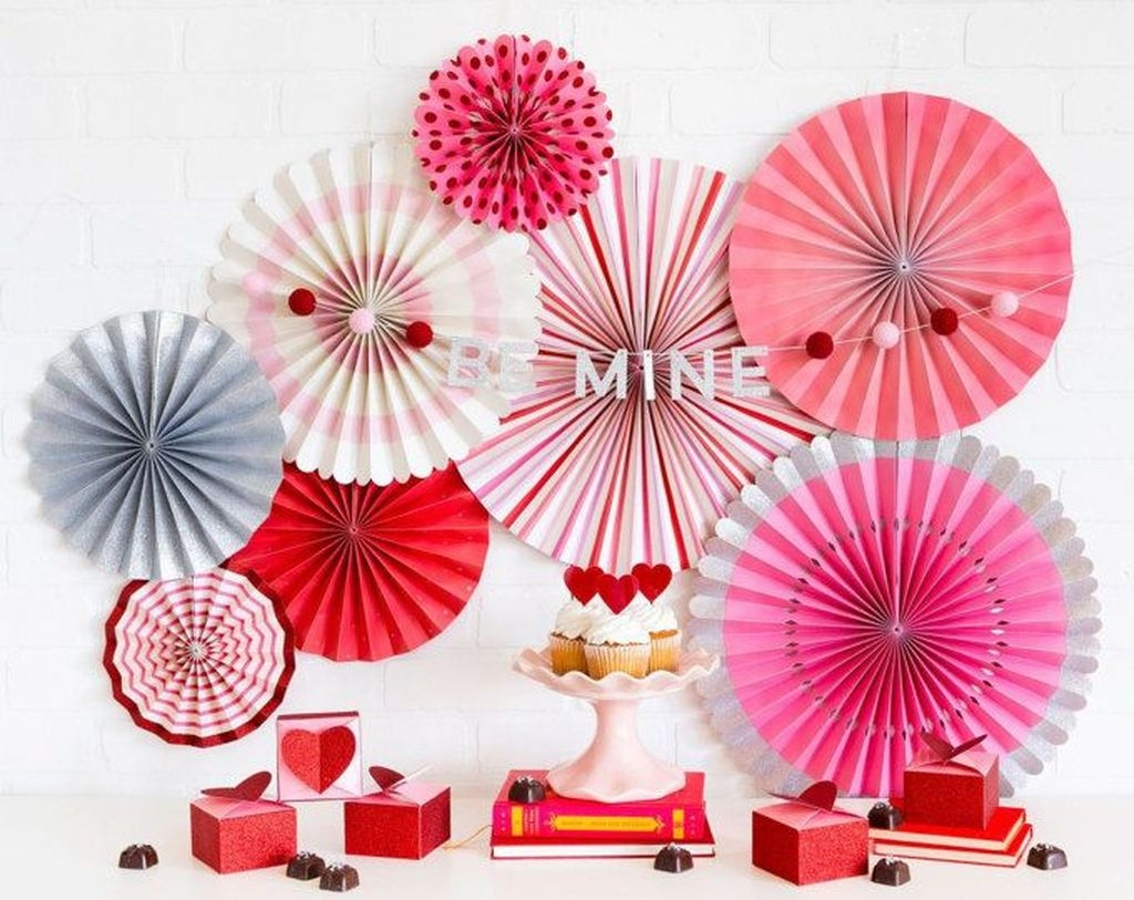 Cute Pink Valentines Day Decoration Ideas For Your Home 23