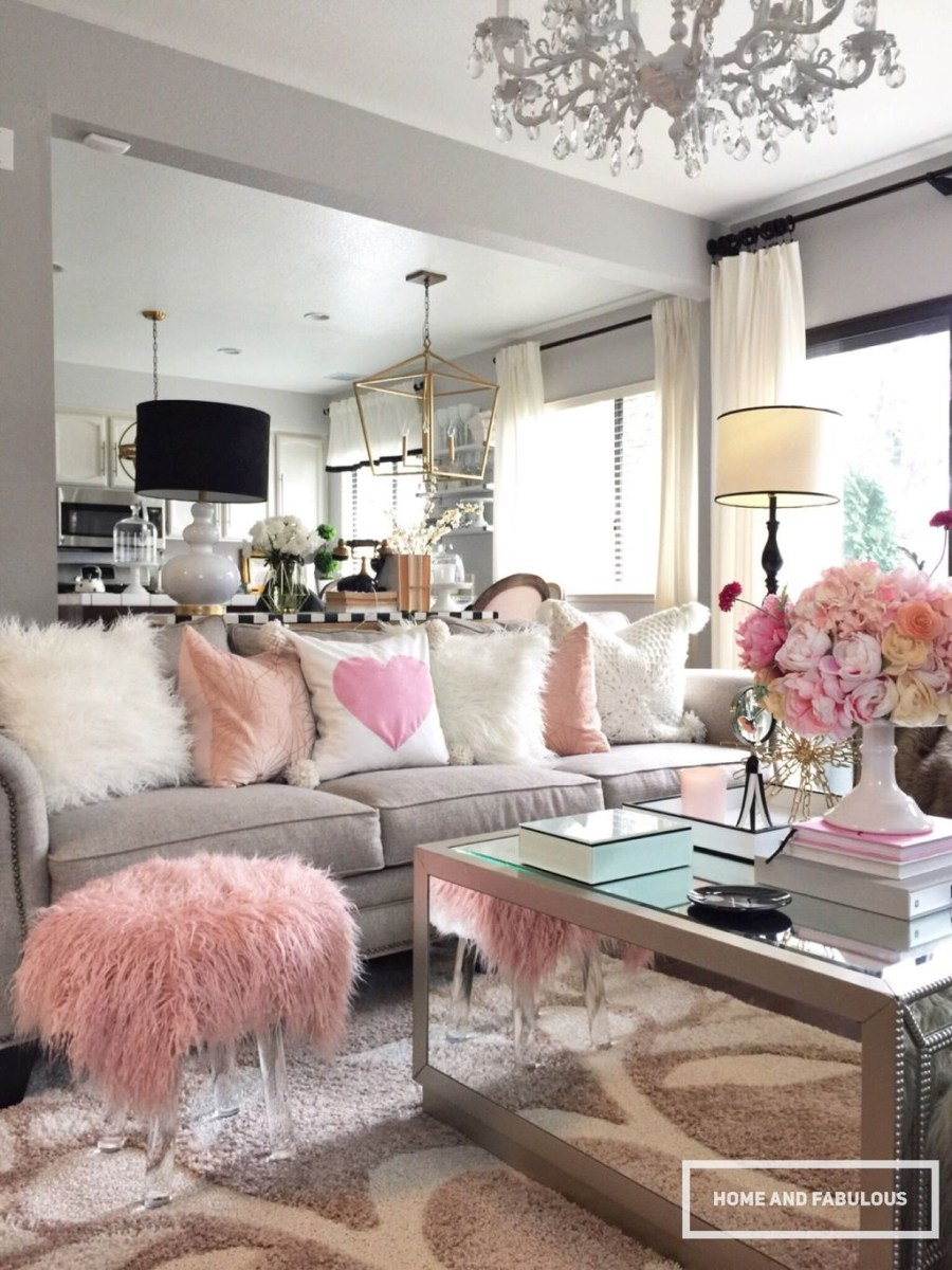 Cute Pink Valentines Day Decoration Ideas For Your Home 26