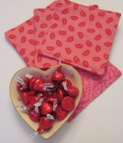 Cute Pink Valentines Day Decoration Ideas For Your Home 40