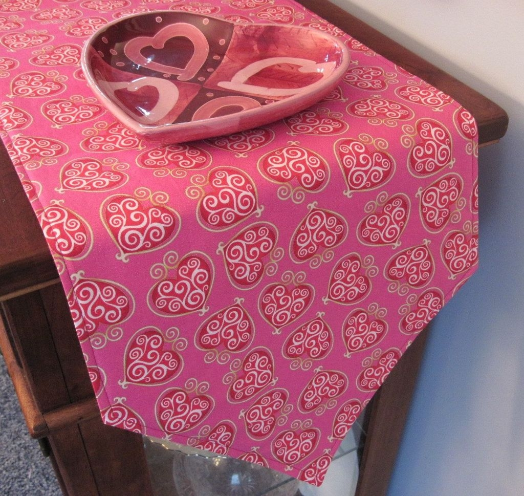 Cute Pink Valentines Day Decoration Ideas For Your Home 48