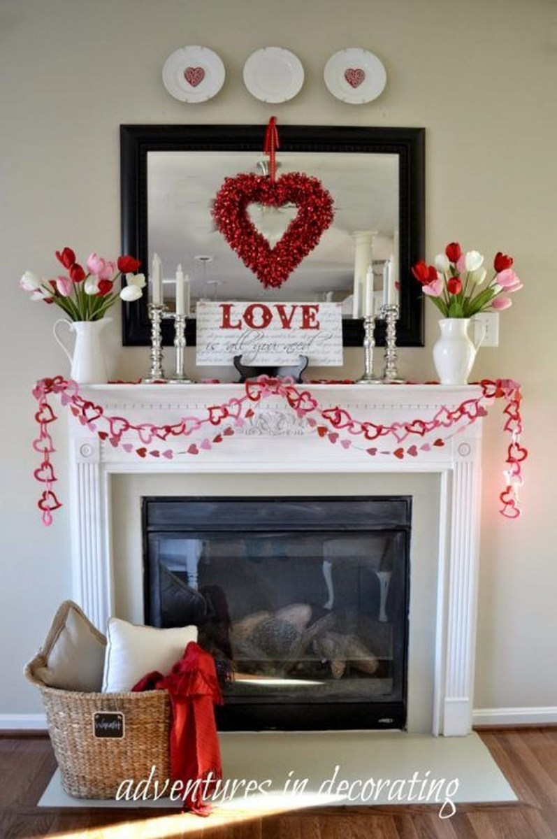Inspiring Valentines Day Fireplace Decoration Ideas 04