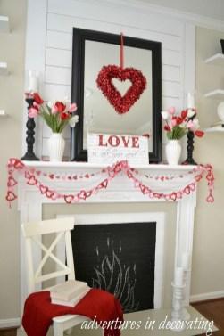 Inspiring Valentines Day Fireplace Decoration Ideas 09