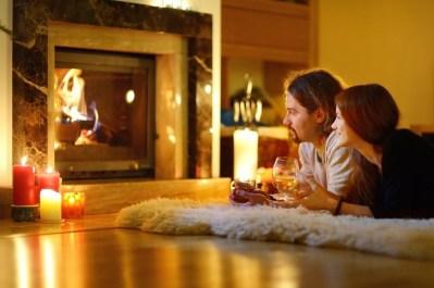 Inspiring Valentines Day Fireplace Decoration Ideas 18