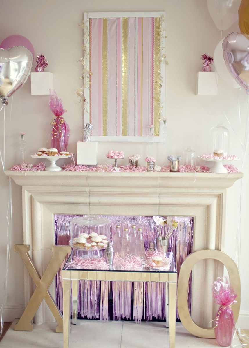 Inspiring Valentines Day Fireplace Decoration Ideas 19